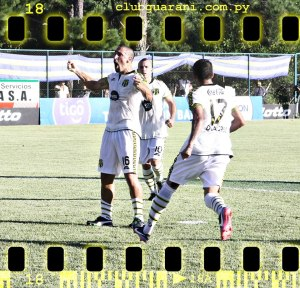Orteman celebrates his goal as Guaraní start well in their new away kit! - Photo: Club Guarani