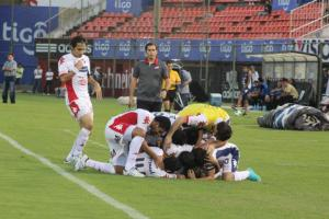 Nacional celebrate one of their three goals against Olimpia - Photo: Prensa Club Nacional