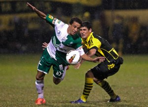 Guaraní and Oriente Petrolero battled it out last year - Photo: Paraguay.com
