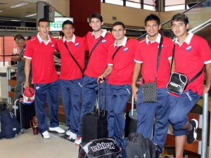 Nacional players en route to Bolivia - Photo: Club Nacional Prensa