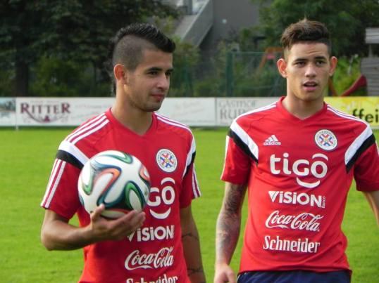 L-R Derlis Gonzalez & Tonny Sanabria - Photo: Seleccion Paraguaya